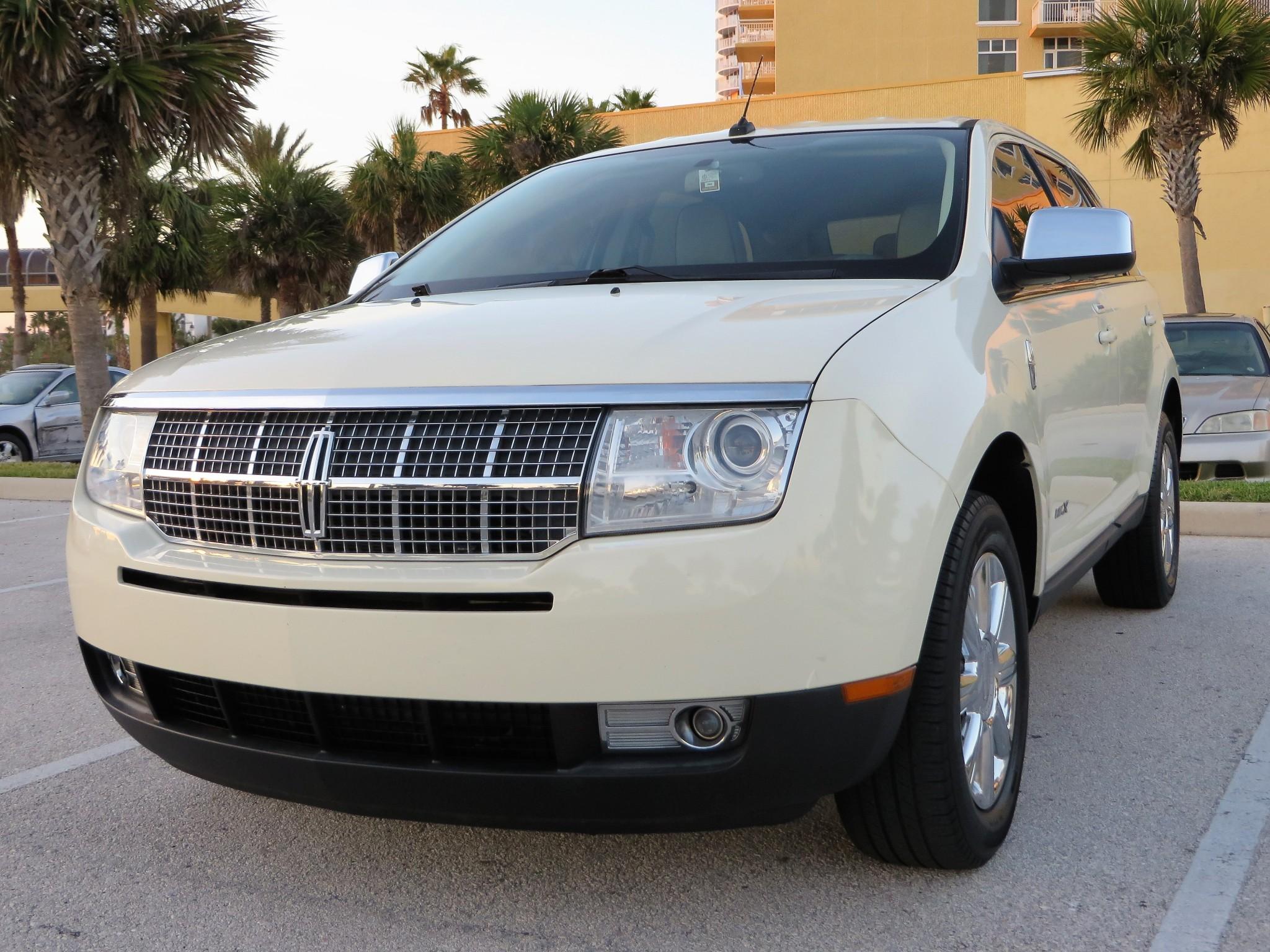 2008 LINCOLN MKX Pearl White - Auto Concepts